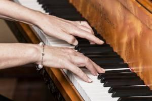 Fiona piano